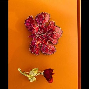2 pins - Canadian Maple Leaf and a stunning Rose